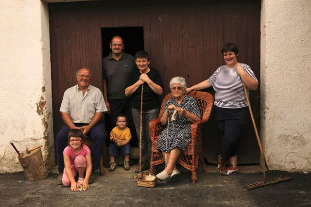 Baztarrika familia